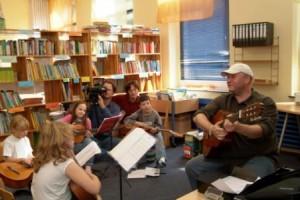 """Ein Jahr mit 4 Toenen - Dokumentarfilm zum Programm """"Jedem Kind ein Instrument"""" (Jeki)"""