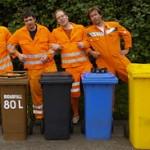 Partys mal anders: Die Zappelbande um Matthias Meyer-Göllner macht Musik auch mit Mülltonnen