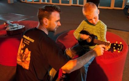 Musikmesse 2011 - music4kids bietet Musik zum Anfassen